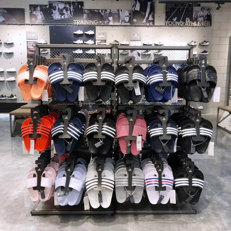 Adidas ลดทั้งร้าน