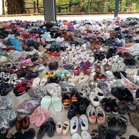 บริจาคถุงเท้า - รองเท้า